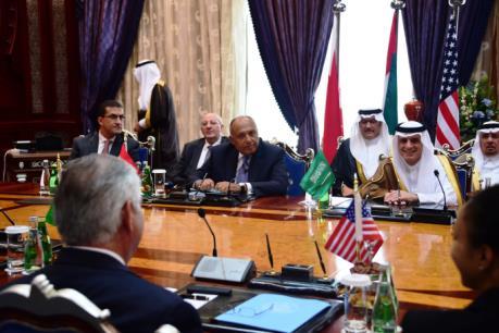 Căng thẳng ngoại giao vùng Vịnh: Ngoại trưởng Mỹ đối thoại với 4 nước Arab tìm lối thoát