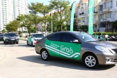 Bộ Tài chính lên tiếng trước thông tin taxi truyền thống chịu thuế cao hơn Grab và Uber