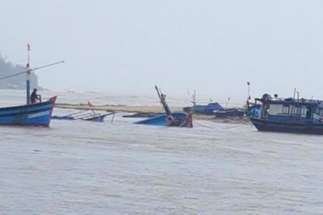 Khắc phục hậu quả bão số 2 tại Quảng Bình