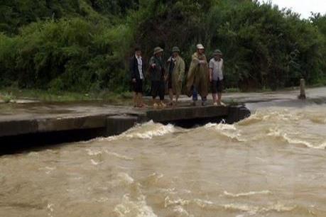 Lũ trên sông Thao và các sông từ Thanh Hóa đến Nghệ An tiếp tục lên nhanh