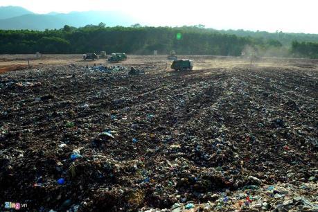Ảnh hưởng từ bãi rác Nam Sơn: Nâng mức hỗ trợ thẻ BHYT cho người dân lên 100%