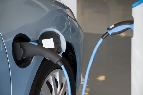 Kết quả hình ảnh cho Australia xây dựng siêu xa lộ có trạm nạp điện miễn phí cho ô tô điện