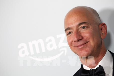 Nhà sáng lập Amazon Jeff Bezos trở thành người giàu nhất thế giới