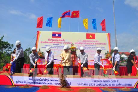 Khởi công xây cầu Xà Ợt tại Cửa khẩu Quốc tế Lao Bảo - Đensavẳn