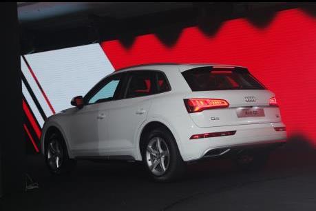Audi Q5 hoàn toàn mới trình làng thị trường Việt, giá bán từ 2 tỷ đồng