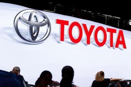 """Đằng sau quyết định """"Mỹ tiến"""" của Toyota và Mazda"""