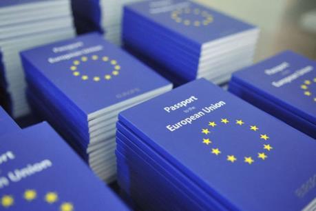 Image result for Công dân EU phải tuân theo các điều kiện mới để định cư dài hạn tại Anh
