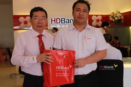 HDBank khai trương phòng giao dịch mới tại Cà Mau