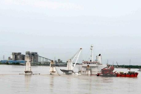 Tàu hàng chở hơn 3.000 tấn tôn cuộn bị chìm trên vùng biển Ninh Thuận