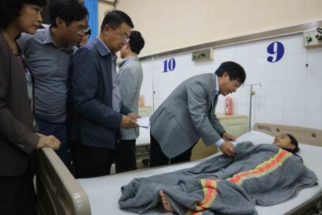 Sập sàn phòng học, 10 học sinh lớp 6 nhập viện