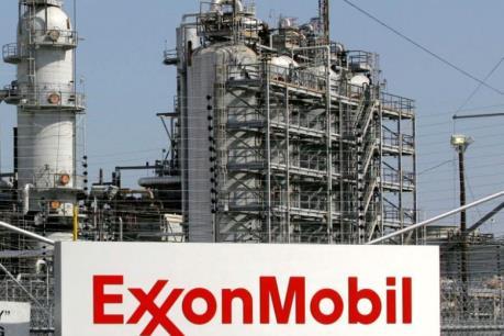 """""""Hậu"""" bão Harvey, nhiều nhà máy lọc dầu của Mỹ hoạt động dưới công suất"""