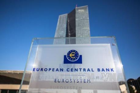 ECB tiếp tục duy trì lãi suất cơ bản ở mức thấp kỷ lục