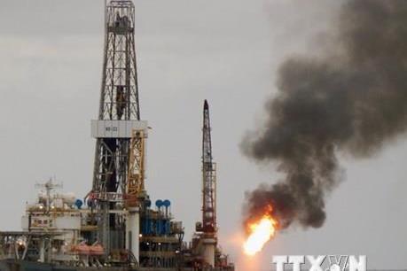 Giá dầu Brent áp sát mốc 60 USD/thùng