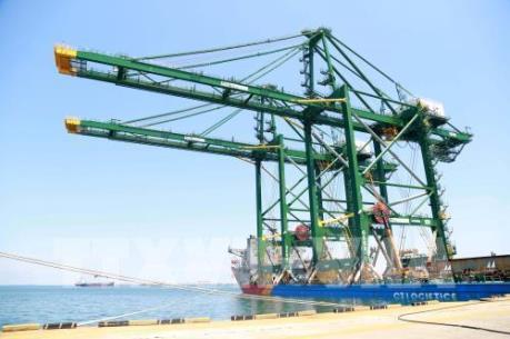 Thêm 3 cẩu trục khổng lồ của Doosan Vina đến Ấn Độ