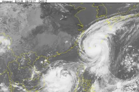Tin mới về Bão số 10: Tâm bão ngay vùng biển từ Thanh Hóa đến Quảng Trị