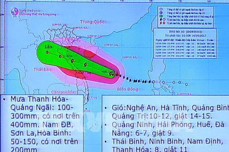 Bão số 10: Thanh Hóa tìm cách liên lạc với 3 tàu thuyền có 33 lao động