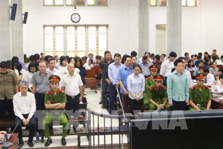 Phiên tòa xét xử Hà Văn Thắm: Luật sư đề nghị trả hồ sơ để điều tra lại vụ án