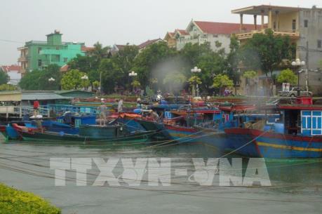 Ứng phó với bão số 10: Học sinh Quảng Bình nghỉ học từ ngày 15/9