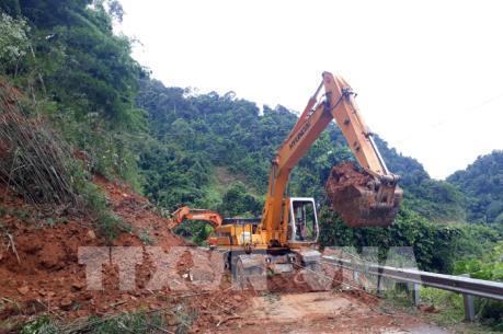 Kết cấu nhiều công trình đường bộ bị thiệt hại lớn do mưa lũ