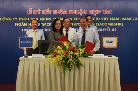 Sacombank và VAMC ký kết thỏa thuận hợp tác về xử lý nợ xấu