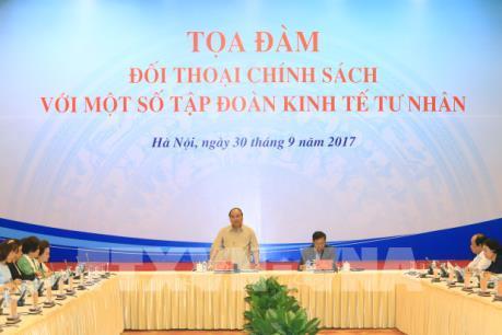 Thủ tướng đối thoại chính sách với các tập đoàn kinh tế tư nhân