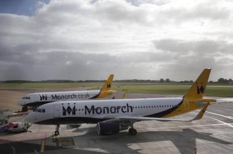 Monarch Airlines ngừng hoạt động, 110.000 hành khách mắc kẹt