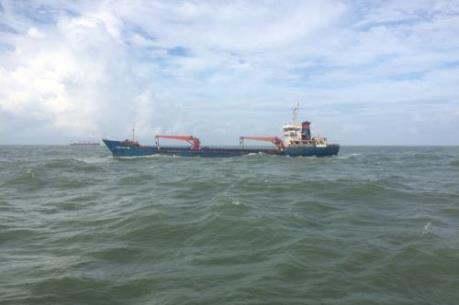 Cứu nạn 15 thuyền viên tàu Thành Đạt 88 trong áp thấp nhiệt đới