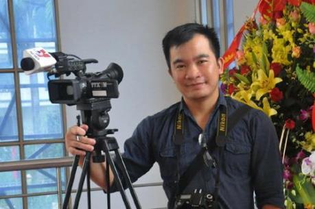 Hội Nhà báo Việt Nam truy tặng Bằng khen cho Nhà báo Đinh Hữu Dư