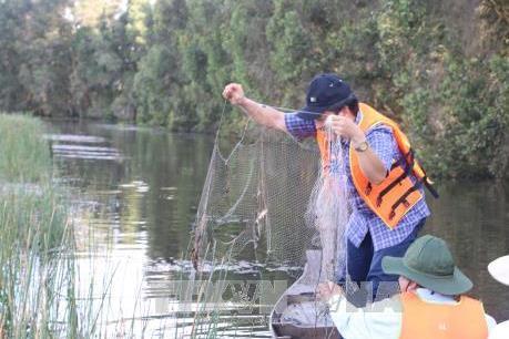 Trải nghiệm Tour tham quan trải nghiệm mùa nước nổi ở Vườn Quốc gia Tràm Chim