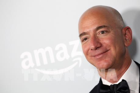 CEO của Amazon - tỷ phú giàu nhất lịch sử