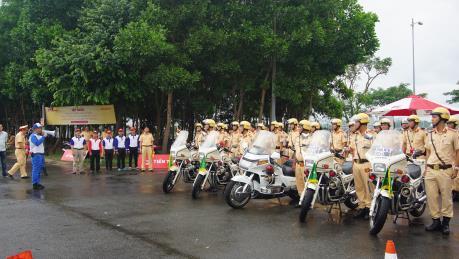 Honda tập huấn lái xe phân khối lớn cho cảnh sát giao thông phục vụ APEC 2017