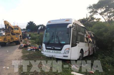 Phó Thủ tướng Trương Hòa Bình: Quản lý xe ô tô chở khách theo hợp đồng vẫn bị buông lỏng