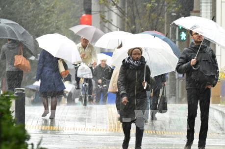 Bão LAN tiến vào Nhật Bản, người dân được khuyến cáo sơ tán