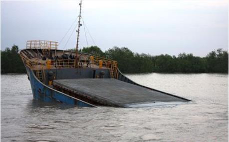 Cứu nạn thành công 12 thuyền viên bị nạn trên biển