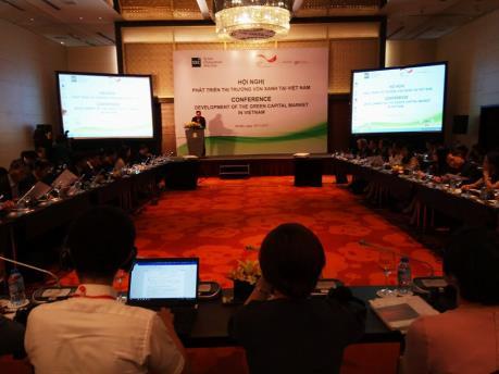 Phát triển thị trường vốn xanh tại Việt Nam