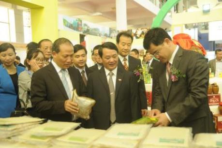 Hợp tác kinh tế thương mại giữa hai tỉnh Lào Cai (Việt Nam) và Vân Nam (Trung Quốc)