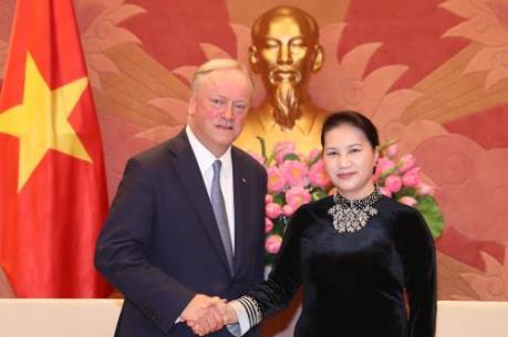 Chủ tịch Quốc hội Nguyễn Thị Kim Ngân tiếp Chủ tịch Hãng Deloitte Toàn cầu
