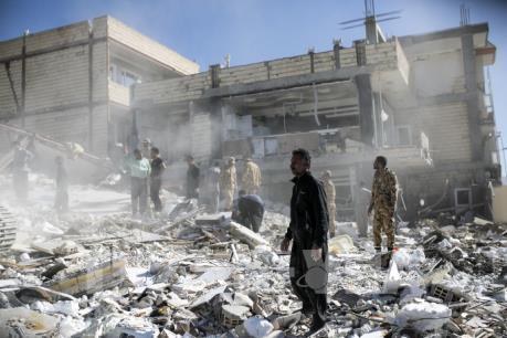 Thảm cảnh động đất gây thương vong gần 7.000 người ở biên giới Iran-Iraq
