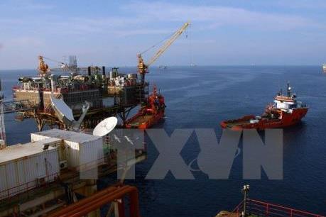 """Giá dầu châu Á ngày 19/4 vọt lên mức """"đỉnh"""" của hơn ba năm"""