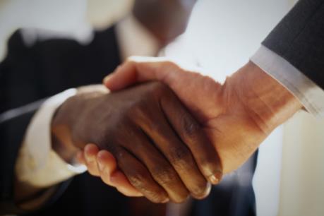 Pháp lập quỹ 1 tỷ euro hỗ trợ các doanh nghiệp vừa và nhỏ của châu Phi