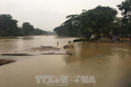 Cảnh báo: Lũ trên các sông ở miền Trung tiếp tục diễn biến phức tạp