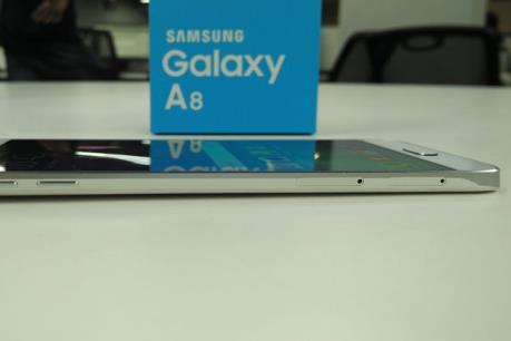 Bộ đôi Galaxy A8  - siêu phẩm mỏng nhất của Samsung