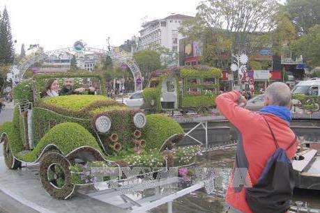 Festival hoa Đà Lạt 2017: Giới thiệu đặc sản Đà Lạt bên hồ Xuân Hương