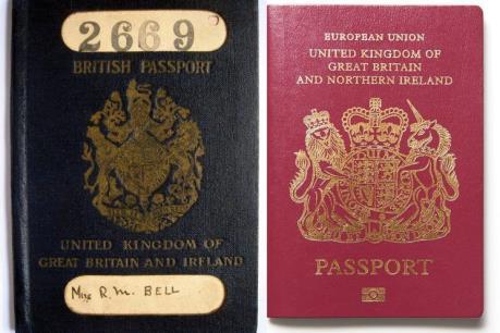 Anh quyết định sử dụng lại hộ chiếu màu xanh sau khi rời EU