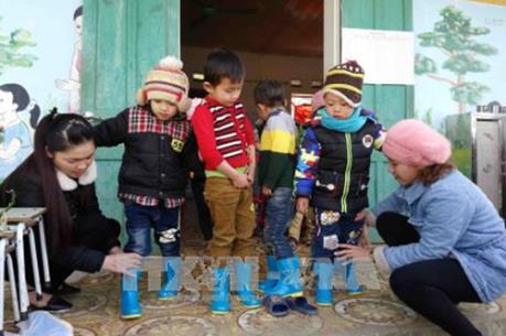 """Giữ ấm cho học sinh vùng """"rốn rét"""" Lào Cai"""