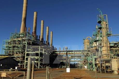 Giá dầu thế giới vẫn ở gần mức cao nhất 3 năm qua