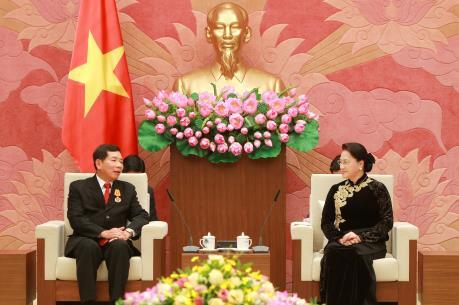 Chủ tịch Quốc hội Nguyễn Thị Kim Ngân tiếp Chánh án Tòa án nhân dân tối cao Lào