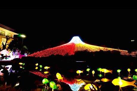 Valentine độc đáo với lễ hội ánh sáng Sun World Halong Complex