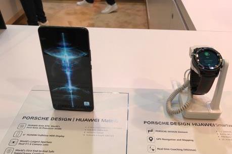 CES 2018: Huawei bị gạt ra ngoài thoả thuận với AT&T