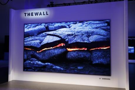 """CES 2018: Samsung trình làng TV dán tường """"The Wall"""""""